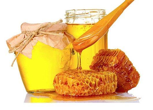 Растворите чайную ложку меда в 100 мл чуть теплой воды. Перемешайте, чтобы жидкость приняла однородную консистенцию. Капните в смесь 3-4 капли йода. Посиневшая вода, даже небольшие синие разводы явно укажут на добавление крахмала или муки в мед для густоты и веса.
