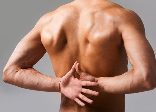 При ушибе и растяжении связок протирайте больное место йодной настойкой. Восстановительный процесс ускорится, и в дальнейшем при перемене погоды травма не будет напоминать о себе.