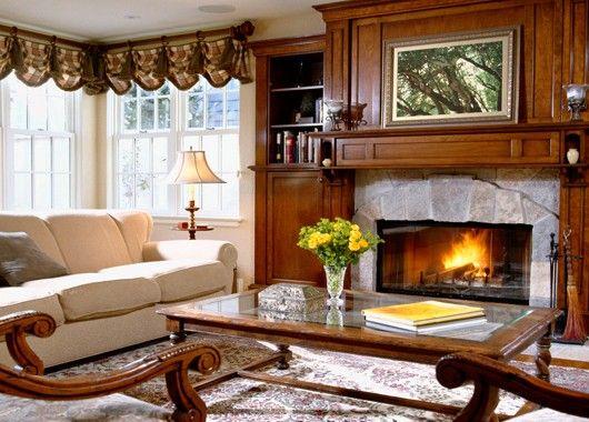 Создать уют в гостиной можно и при помощи декоративного камина. Это один из символов тепла домашнего очага.
