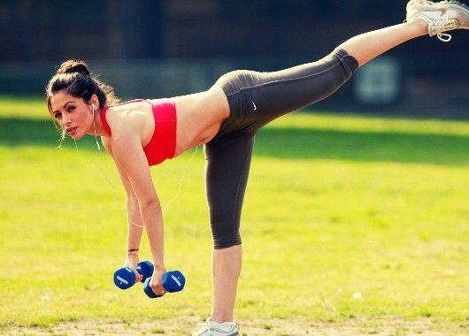 Если вы можете себе позволить, то выделяйте небольшой перерыв в течение дня для занятий физическими упражнениями. Как выяснилось физическая активность очень хорошо активирует продуктивность.
