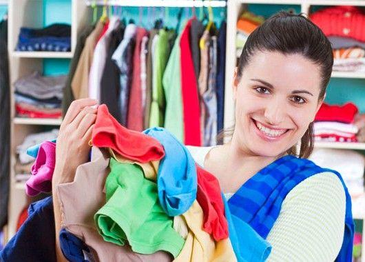 Прежде, чем отправиться за покупками, следует заглянуть в шкаф и обдумать, что именно вам действительно необходимо — джинсы, платья, куртки или сапоги. А чтобы не потратиться на что-то, не входящее в ваши планы, составьте список и не забудьте захватить его с собой, отправляясь на шопинг.