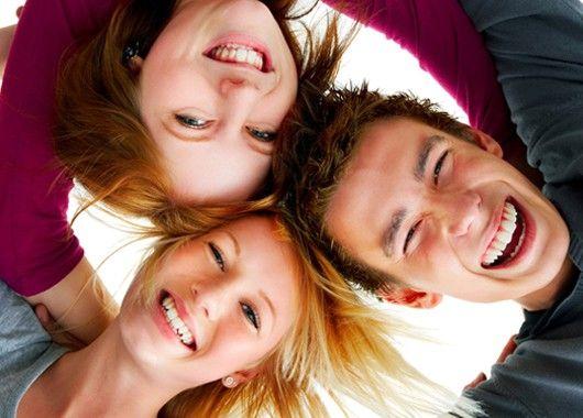 Дети - это заряд позитива, поэтому, если вам не хватает радости в жизни, общайтесь и играйте с детьми.