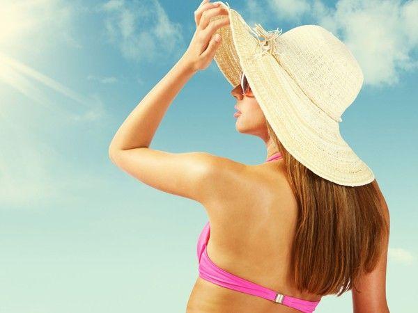 Пребывая на солнце, не забывайте переворачиваться через одинаковый промежуток времени (10-15 минут) во избежание ожога и получения эффекта разнородного или пятнистого загара.