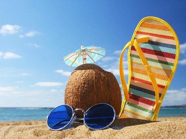 Наносите защитный крем, даже если вы отдыхаете под тентом, помните, солнечные лучи отражаются от воды и песка, по этой же причине не следует загорать лежа не песке. Старайтесь загорать активно, например, во время игры в волейбол.
