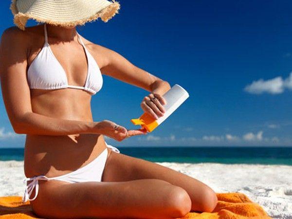 Обезвоживание – серьезный враг для кожи. Пить нужно много и часто, от 2 литров воды в день.