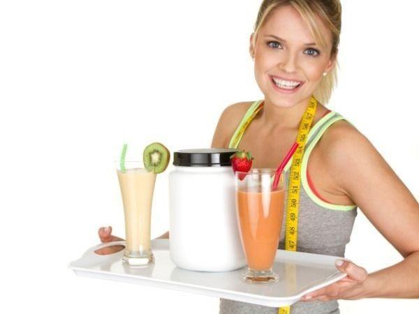 Фрукты и овощи – это ваши лучшие помощники для потери веса.  Помимо того, что в них содержатся полезные питательные вещества, вода и клетчатка, они, как правило, имеют очень низкую энергетическую ценность. Это позволяет съедать большие порции, не потребляя слишком много калорий.