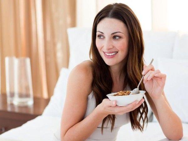 Постарайтесь отказаться от сахара и алкоголя. Или хотя бы ограничьте их потребление. Оба продукта не лучшим образом влияют на фигуру.