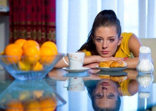 Начнем с режима дня. Как бы много не приходилось работать, и каким бы не напряженным был ваш график, определите время, когда вы будете кушать и отдыхать. Стабильный график сна очень важен при значительной нагрузке на работе.