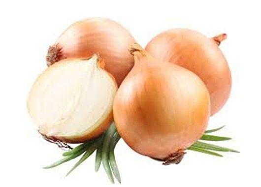 Если нет с собой аптечки, поможет срез луковицы или помидора, сметана.
