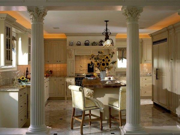 Интерьер квартиры с колоннами