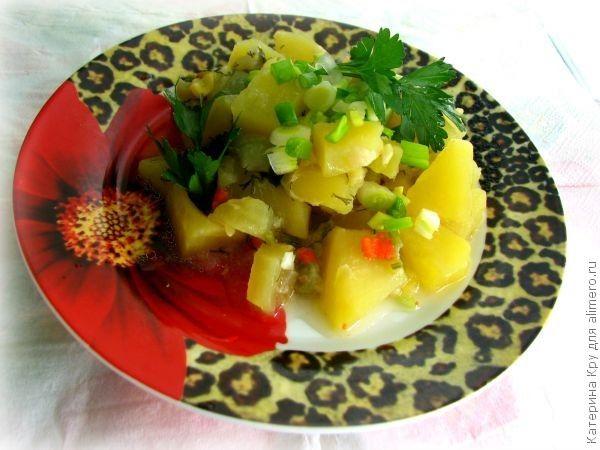 Рагу с кабачками и картошкой с мясом в горшочках в духовке