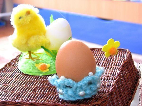 Вязанные корзинки для пасхальных яиц