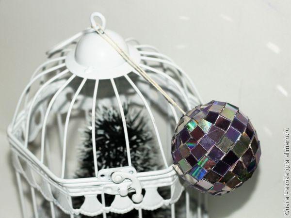 Зеркальный шарик на ёлку