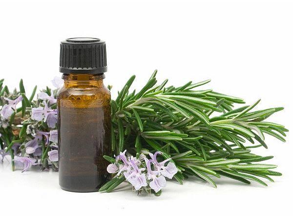 Эвкалиптовое масло. Эфирные масла являются также известными средствами от кашля, применяющиеся для ингаляций. Эвкалиптовое масло помогает облегчить дыхание и может применяться при лечении как сухого, так и мокрого кашля.