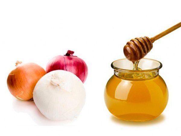 Лук и мёд. Нарежьте лука - 500 гр., добавьте сахара - 400 гр., залейте 1 л. воды и проварите 3,5 часа. Когда смесь остынет, добавьте 50 гр. мёда. Лук с мёдом принимайте по несколько столовых ложечек после еды.