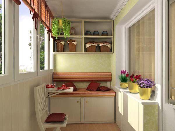 Мягкую мебель применять на открытых балконах не рекомендуется. Здесь в большей степени подойдут деревянные или плетеные шезлонги, столы и другие предметы дачного интерьера.