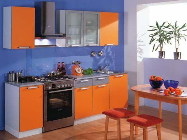 Врачи рекомендуют использовать яркие кухни для людей, у которых проблемы с аппетитом, такая цветовая гамма улучшает аппетит и пищеварение, что важно для кухонной зоны.