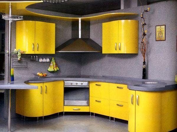 В интерьерных журналах последнее время очень часто можно встреть оранжевые кухни и мебель мятных оттенков. Это самые популярные цвета на сегодняшний день.