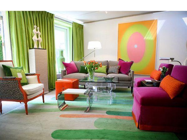 Сначала определите, какие цвета и оттенки вам наиболее комфортны, выберите те из них, которые будут доминировать в интерьере. Выберите цвета для стен, потолка, пола и мебели.
