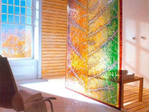 Как вариант для кухни, использование наливных и бетонных полов. При изготовлении мозаично-наливного пола используют гранитную или мраморную крошку. Для придания яркости цвету в бетон добавляют краситель.