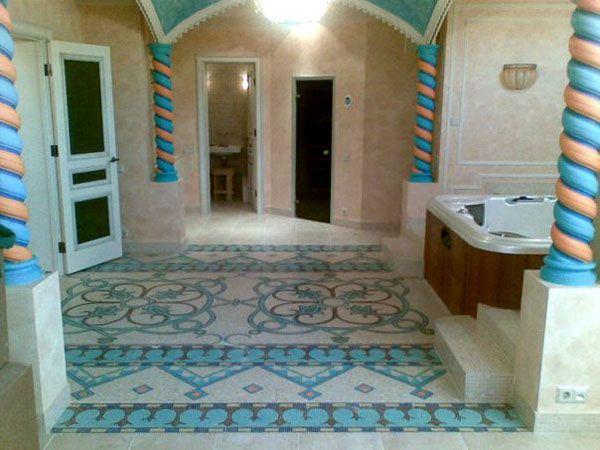 Особенно важно правильно выбирать материал для стен и пола в ванной. Важно, чтобы стены и полы были устойчивы к разным температурам, влаге и химическим средствам. Во всем остальном можно выбирать керамику, стекло, каменную мозаику или мрамор.