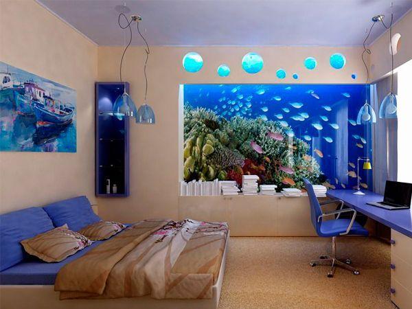 Разумеется, аквариум должен гармонично вписаться в интерьер помещения. Разнообразие форм аквариумов - витрины, колонки, угловые, этажерки - предоставляет широкие дизайнерско-интерьерные возможности. Разные модели предназначаются для классических и минималистских интерьеров, для детской комнаты и офиса.