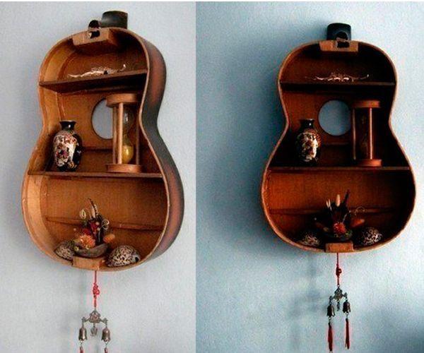 А как вам полка из гитары? Затрат - минимум, а результат весьма неожиданный. Она украсит как гостиную, так и спальню.