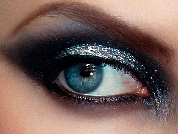 6. Во время макияжа smoky eyes темные тени могут осыпаться, поэтому консилер под глаза используйте после теней, но до туши.