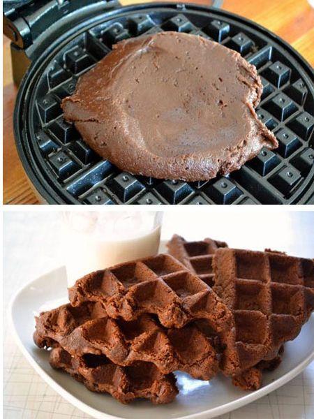 15. Также в вафельнице можно испечь пирожное практически по любому рецепту.