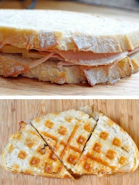 7. Сделайте бутерброд из двух ломтиков хлеба. Поджарьте его в вафельнице и разрежьте на несколько частей.