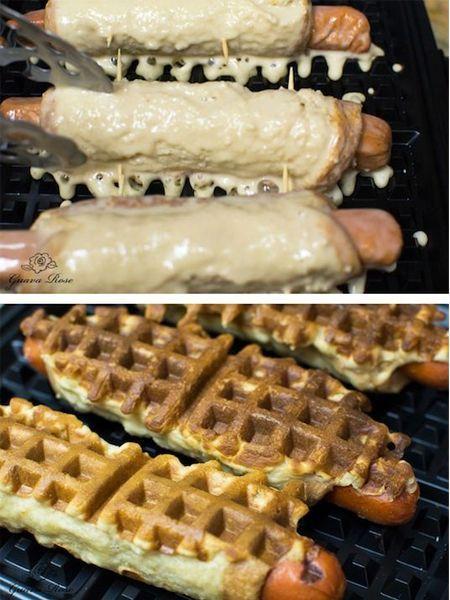 13. Сосиски в тесте тоже можно приготовить в вафельнице.