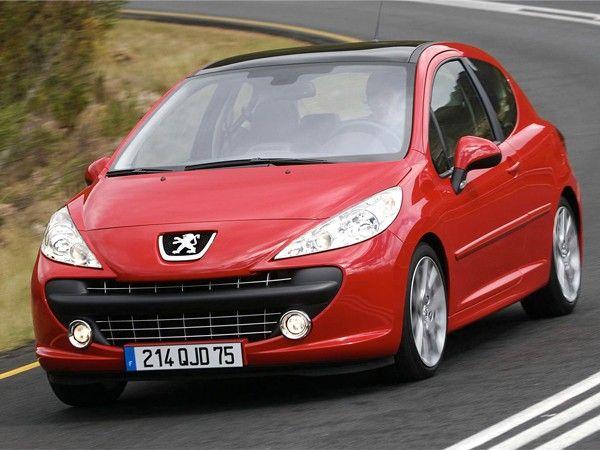 Peugeot 207. После запланированного рестайлинга в его внешности появилось много интересных деталей, которые так нравятся представительницам прекрасной половины человечества.