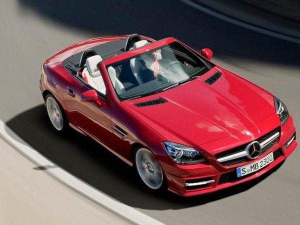 Mercedes SLK. Компактный двухместный кабриолет, который стал первым серийным автомобилем, получившим жесткую складную крышу. Модель 2011 года окончательно убедила нас в том, что это самодостаточный Mercedes-Benz, а не компромисс для тех, у кого не хватило средств на роскошный SL. А как он нравится девушкам!