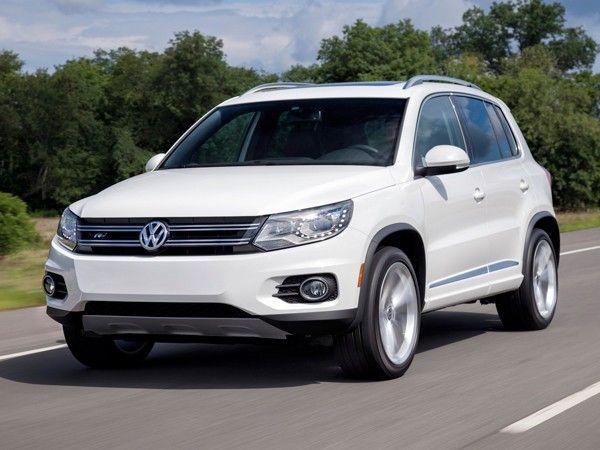 Volkswagen Tiguan. У инженеров VW получился качественный и отлично управляемый кроссовер. А после недавнего обновления он стал выглядеть не хуже своего старшего брата. Не зря его так любят девушки!