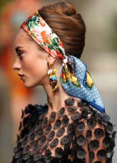Модные прически с шарфом