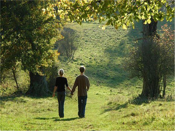 Пусть прогулки на свежем воздухе станут ежедневным ритуалом, ведь движение – это жизнь.