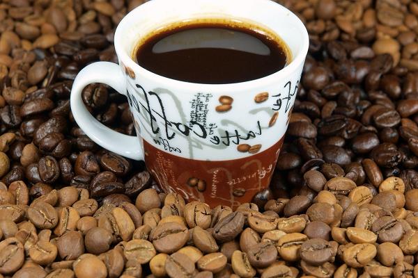 Кофе увеличивает эффективность действия обезболивающих препаратов.