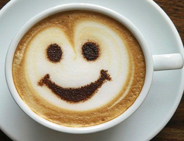 Кофеин способствует тому, что в организме накапливается серотонин – гормон счастья.