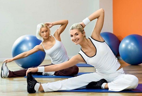 Даже при строгом подсчете калорий, вряд ли можно будет достигнуть 100% результата без физической активности. Ведь в таком случае худеть мы будем и за счет потери мышц, а не только жира.