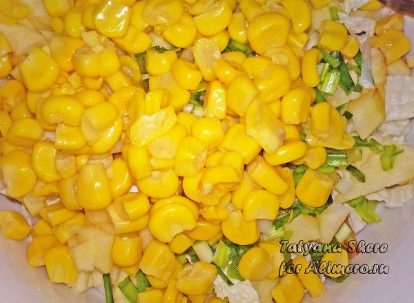 салат с кукурузой и капустой и яблоком рецепты