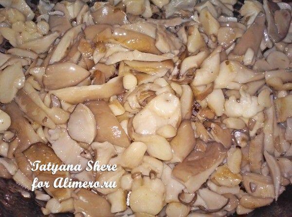 Макароны с грибами в сметане