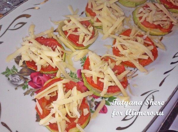 Запеченные кабачки с помидорами