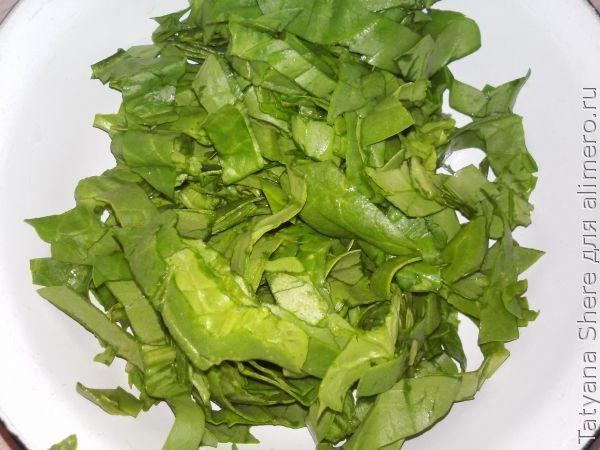 Омлет на сковороде со шпинатом