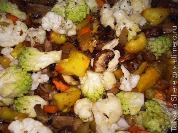 Макароны с грибами и овощами