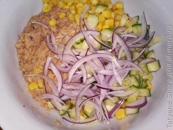 Салат с тунцом консервированным