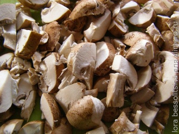 Кальмар, ломтики грибов