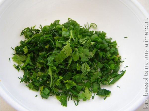 пиленгас в кляре с овощами, зелень