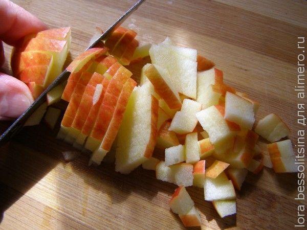 Салат фруктово-овощной, яблоко