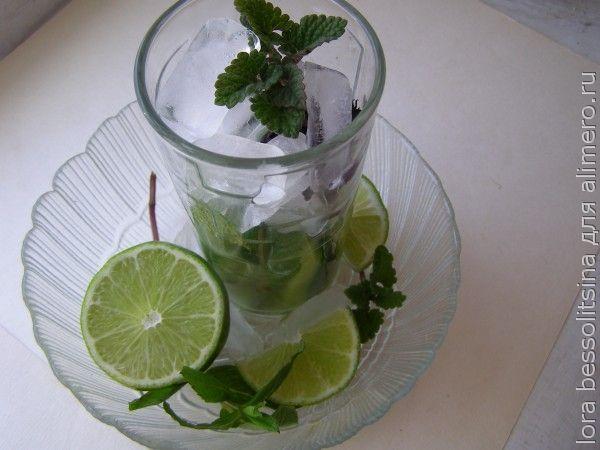 лимонад, мелисса, со льдом