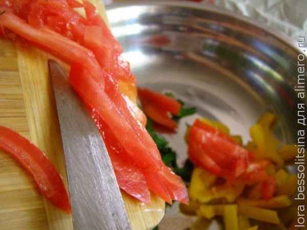 салат с толстолобиком, помидор